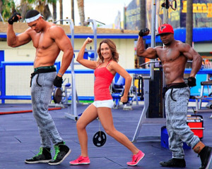 """""""You can't tell, but both of these buff men are on a platform... THAT I AM HOLDING UP WITH MY INCREDIBLY STRONG VAGINA."""""""
